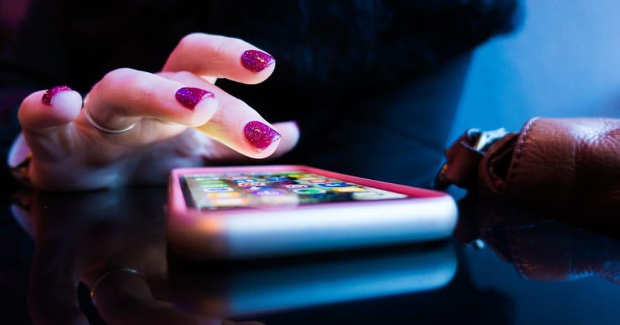 Мобильное онлайн-казино: приложения или версии браузера?