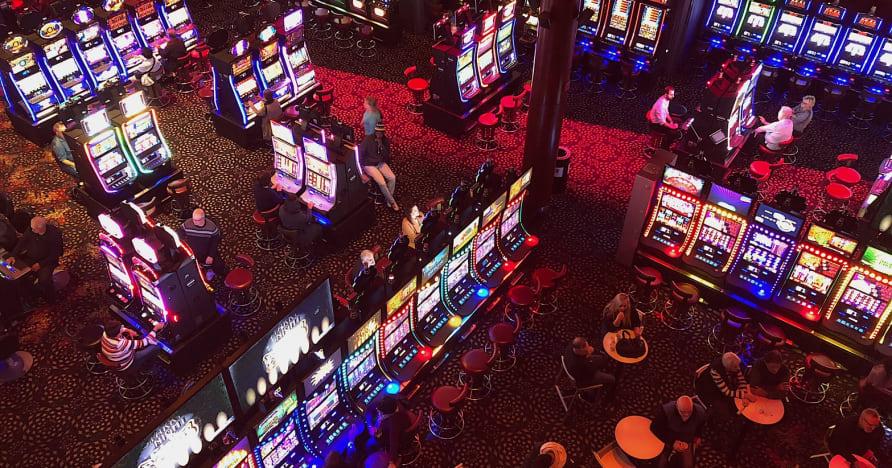 Социальные казино против онлайн-казино