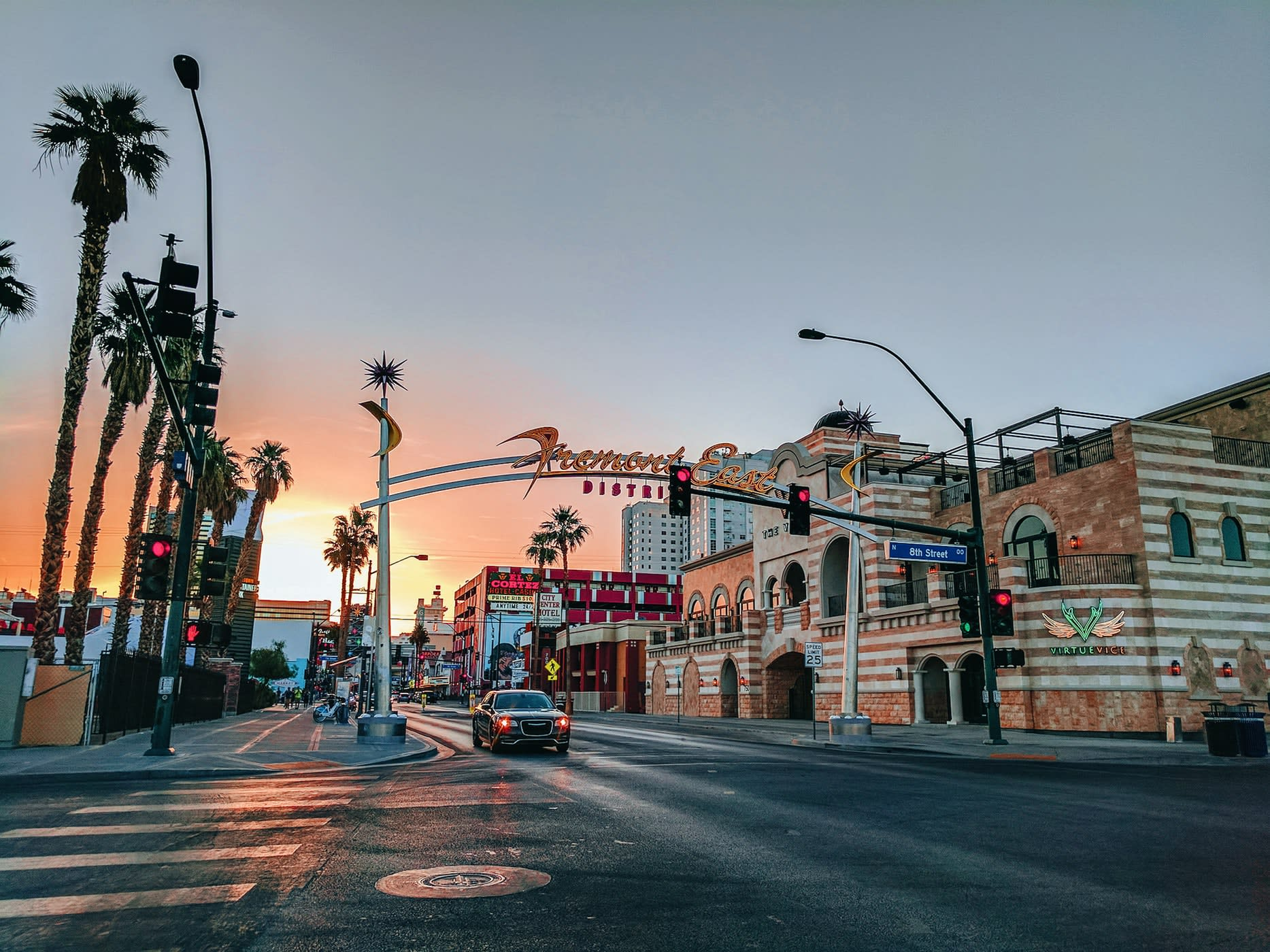 Greentube добавляет Cops 'n' Robbers Vegas Nights в свой стиль Лас-Вегаса